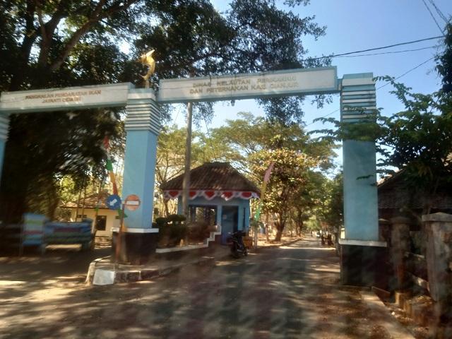 Pantai Jayanti, Ombak Samudra Hindia Yang Serem-pintu gerbang