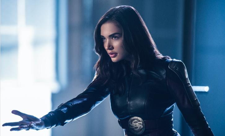 Supergirl - Episode 3.10 - Legion of Super-Heroes - Promos, Sneak Peeks, Promotional Photos & Press Release