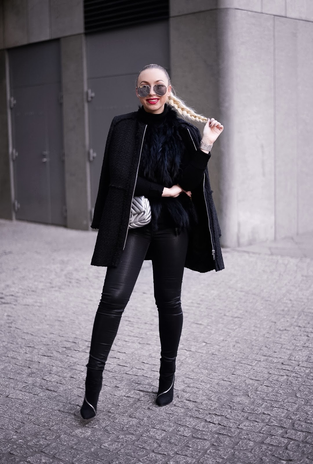 all black outfits_all black streetstyle_fashion photography tips