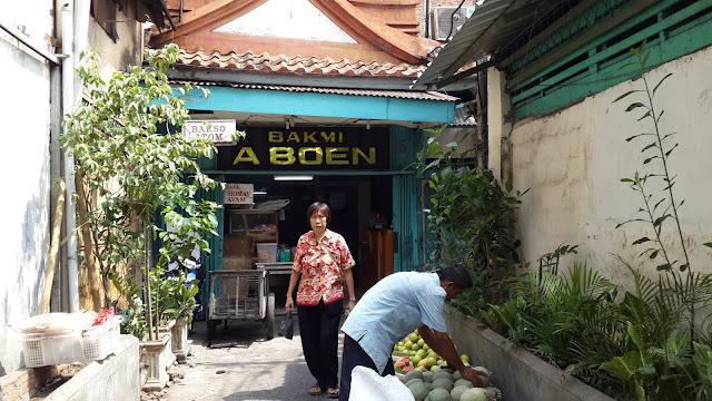 Pasar Baru dan Bakmi Aboen Tempat Belanja serta Kuliner Otentik dan Vintage