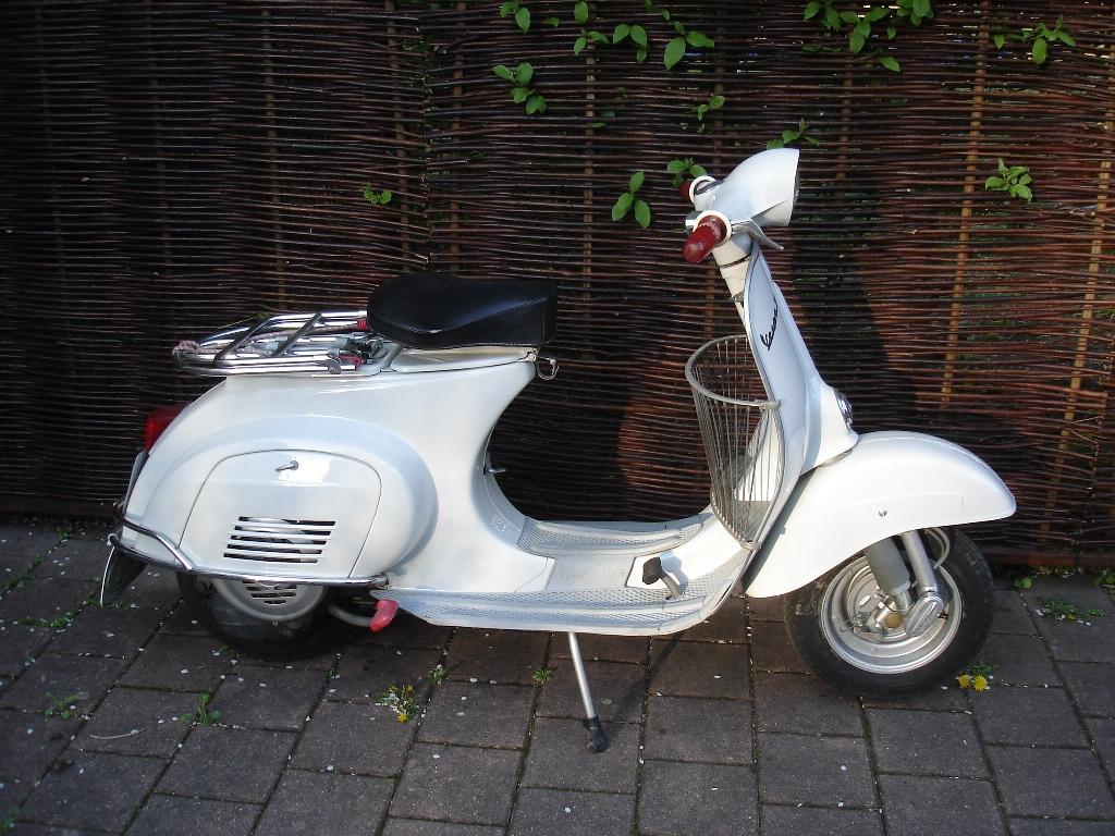 Vespa 50 - 1963 ~ Vespa Scooters