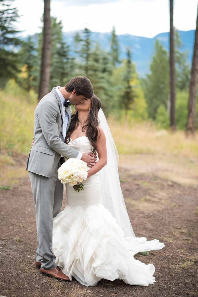 Montana Wedding / Photography: Kelly Kirksey Photography / Planner: Tanya Gersh Events / Florist: Mum's Flowers