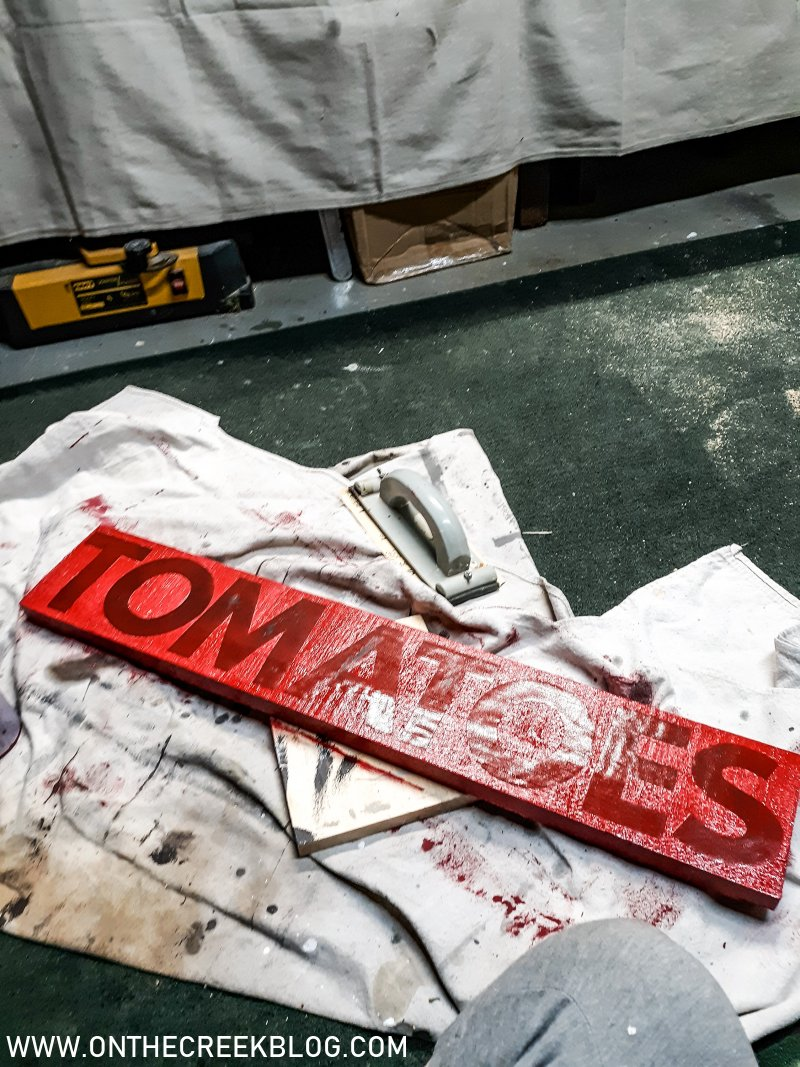 Making a vintage inspired 'tomatoes' produce sign | On The Creek Blog