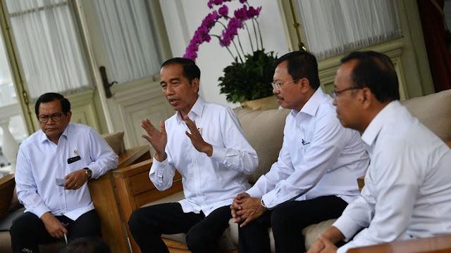 Telat Tangani Corona COVID-19, Pemerintahan Jokowi Bisa Digugat?