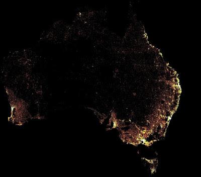 Distribusi jumlah penduduk perempuan di usia produktif (15-49 tahun) di Australia. Gambar tersebut dihasilkan dari gabungan gambar satelit dan data sensus. Peta ini sangat bermanfaat bagi organisasi kesehatan untuk melakukan pelayanan dan edukasi tentang kehamilan atau keluarga berencana.