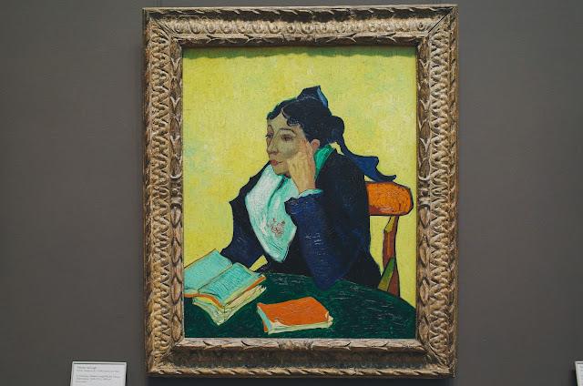 読書するジヌー夫人、本を持つジヌー夫人  (L'Arlésienne: Madame Joseph-Michel Ginoux)
