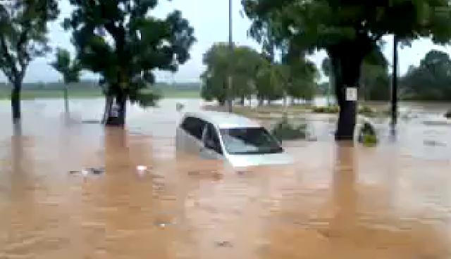 Warga Kudus Terkecoh Video lawas Sebuah Mobil dan Bus Terseret Banjir