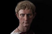 La pazzia al potere, Caligola a Roma