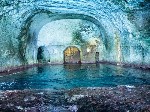 Grotte di Pilato, vasca centrale, Ponza @Valeriaderiso