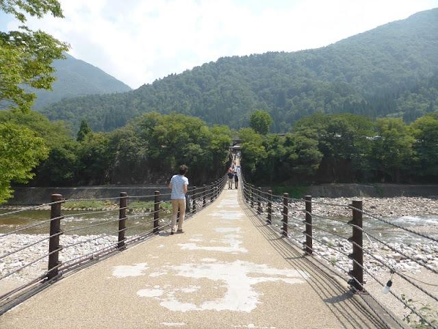 Puente en Shirakawa-go