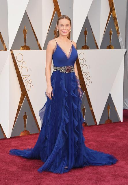 Brie Larson, vestido azul, Oscar 2016, vencedora O quarto de Jack, melhor atriz