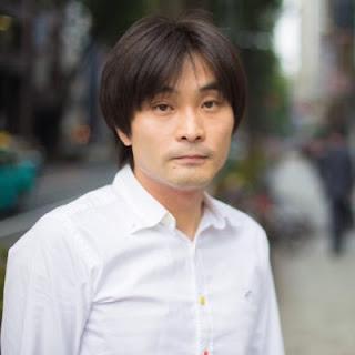 Na imagem de perfil o jornalista japonês Shiba Tomonori.