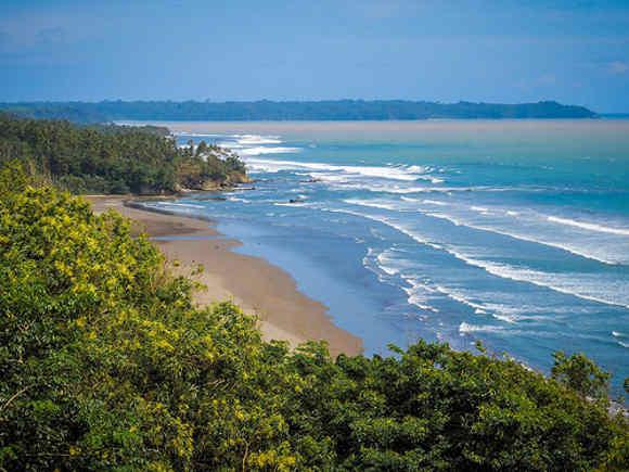 Eksotisme Pantai Karang Nini Pangandaran