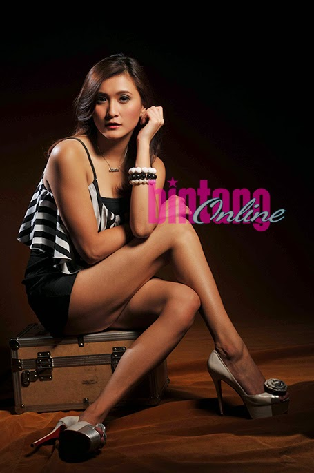 Photo Shoot Christina Colondam di Tabloid Bintang