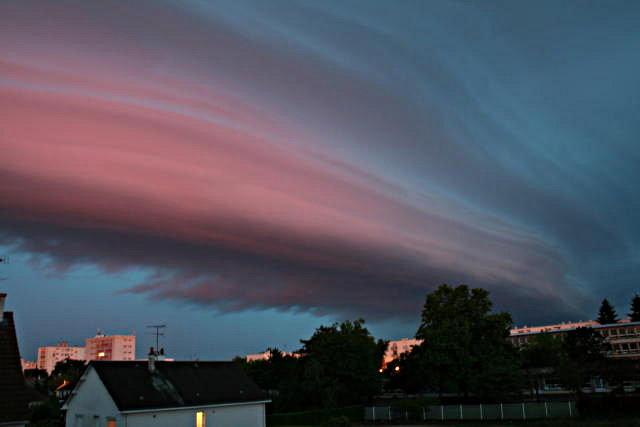 Front orageux au lever du jour (juin 2007)