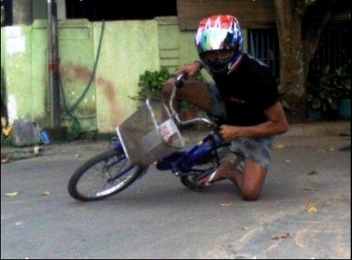 Foto Lucu Naik Motor