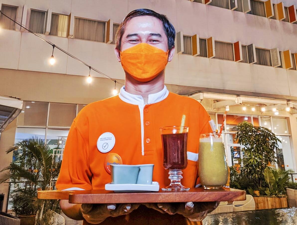 Harris Hotel Batam Center Berbagi Resep, Ini Caranya Buat Minuman Vit-C