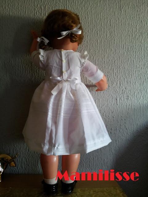 Cristina y su nueva ropa de espaldas