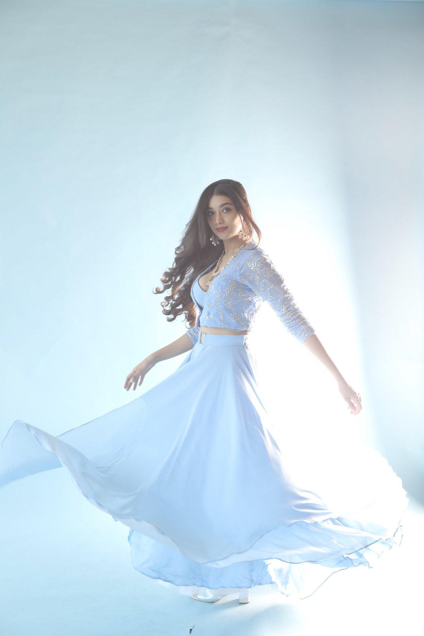 Actress Digangana Suryavanshi latest photos