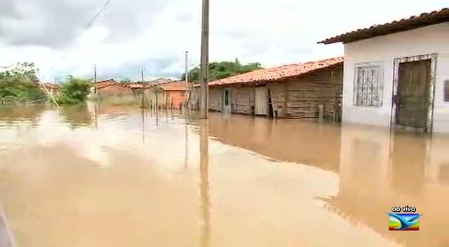 TENSÃO - 1.227 famílias afetadas pelas chuvas no Maranhão, diz Defesa Civil
