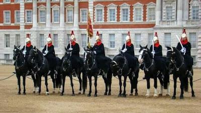www.viajandoportodoelmundo.com Cambio de guardia Londres Inglaterra
