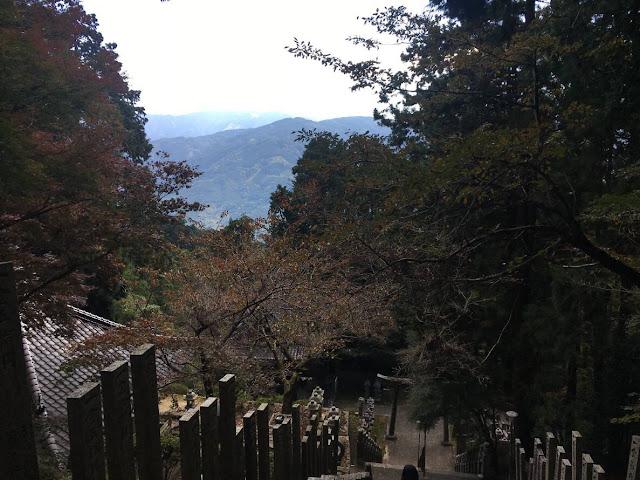 阿南の近くのお寺の階段
