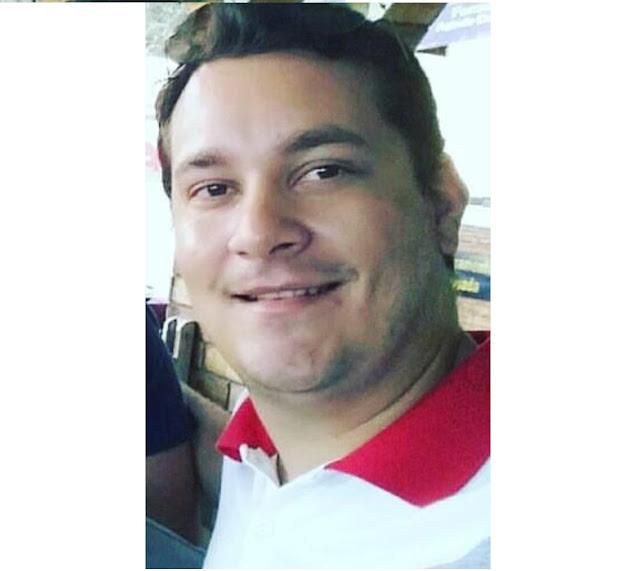 Cantor é esfaqueado e morre dentro do próprio carro na Paraíba