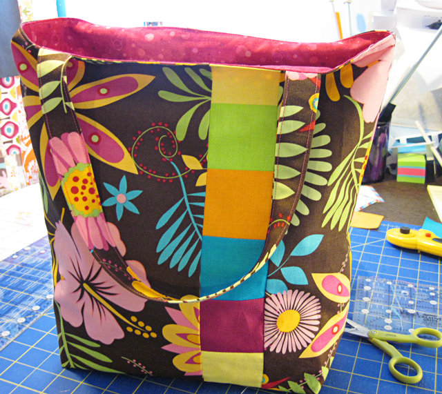 Box-Bottom Tote Bag Tutorial