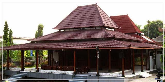 Foto rumah adat Panggang Pe