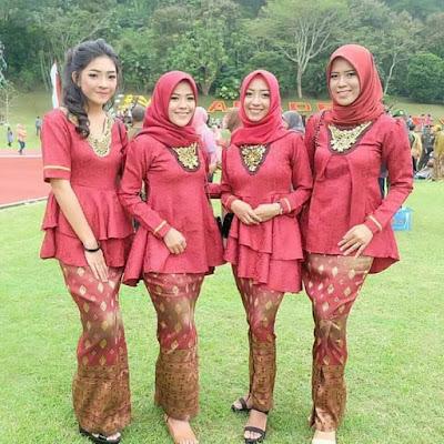 Model Kebaya Embos Merah Hijab Rok Panjang