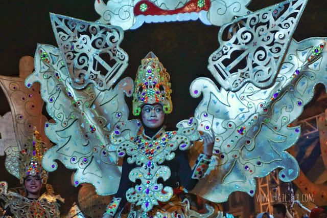 Defile Tema Wayang Semarang Night Carnival 2019