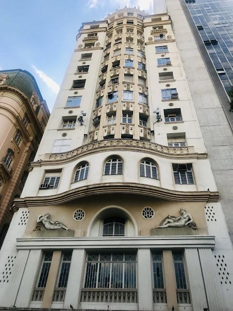 Prédio com influência francesa na arquitetura