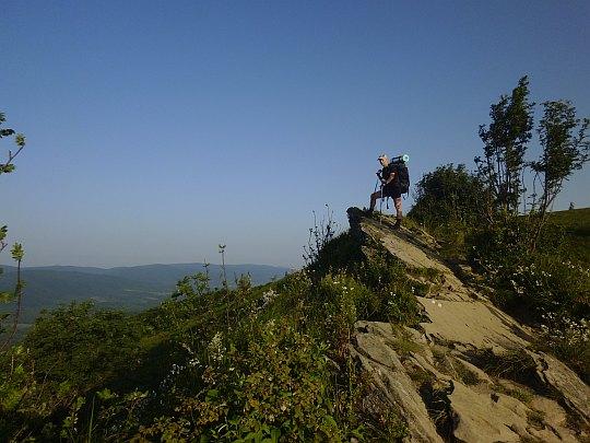 Wychodnie skalne przed szczytem Hasiakowej Skały (1228 m n.p.m.).