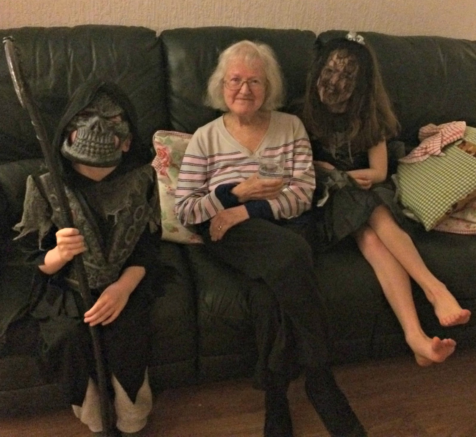 Hobbis children with Nain Brooks, Halloween 2016