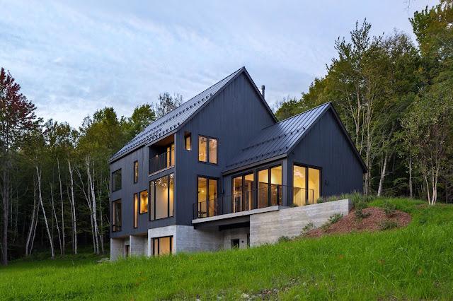 บ้านที่สร้างบนพื้นที่ต่างระดับ