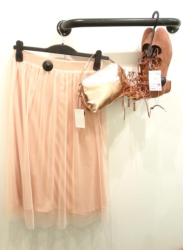 Una delle cose su cui non avevo intenzione di cedere riguardo al mio  matrimonio era comprare un vestito costoso. Per quanto mi riguarda non ha  senso ...