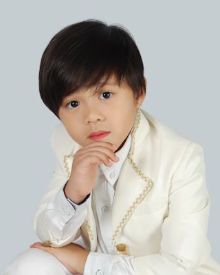 2013 Boy Grand Winner Nhikzy Vheench Calma