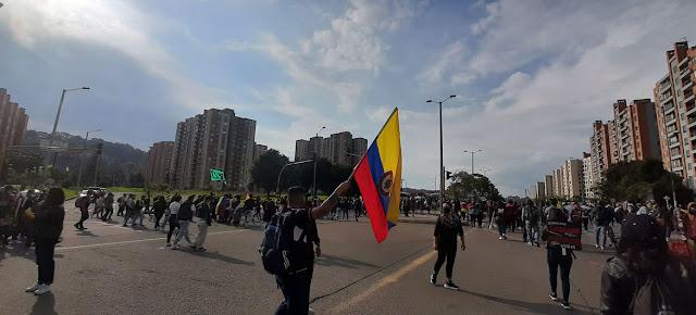 Manifestantes marchan por las calles de Bogotá en Colombia.Jeimmy Celemín