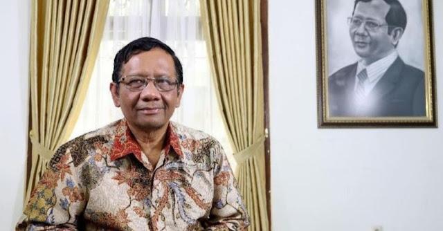 Tak Sepakat 'NKRI Bersyariah', Mahfud MD: Tanpa Disebut pun Indonesia Sudah Bersyariah