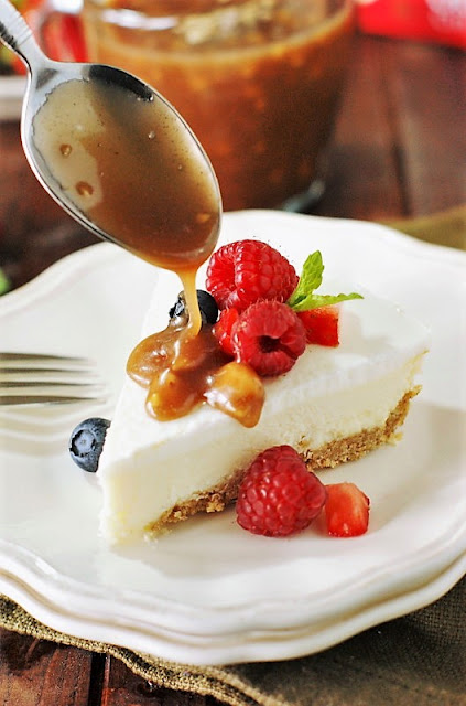 Drizzling Toffee Sauce on Cheesecake Image