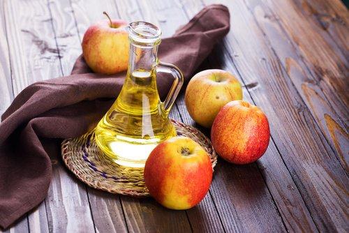 Rinçage au vinaigre de cidre de pomme