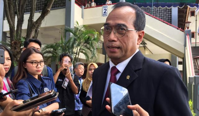 Menteri Perhubungan Positif Corona