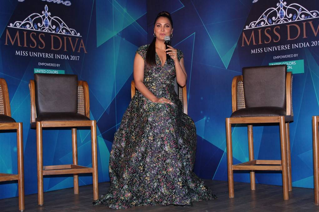 Lara Dutta At Yamaha Fascino Miss Diva 2017 Bloggers Meet Stills