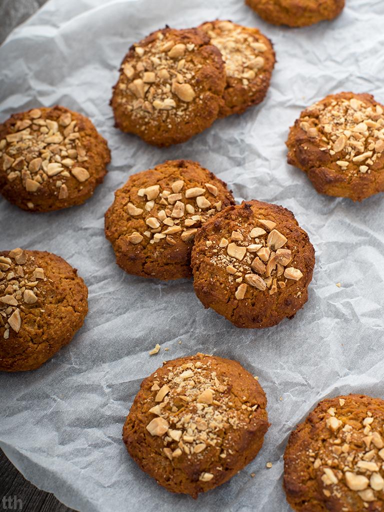 Ciasteczka z batatów w masłem orzechowym i skórką pomarańczową wegańskie, bezglutenowe, bez cukru przepisy roślinne blog kulinarny