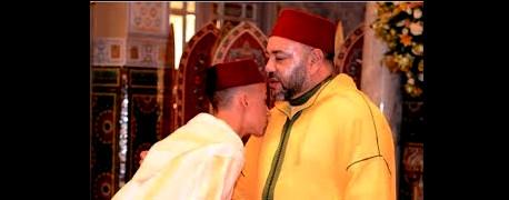 ولي العهد يحضر مراسيم تشييع جنازة الشاعر علي الصقلي كؤلف النشيد الوطني