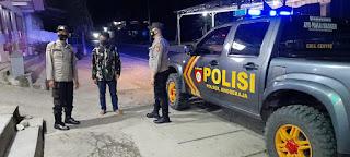 Demi menjaga Situasi Kamtibmas Di Wilayah Tugasnya, Personil Polsek Anggeraja Melaksanakan Patroli Blue Light