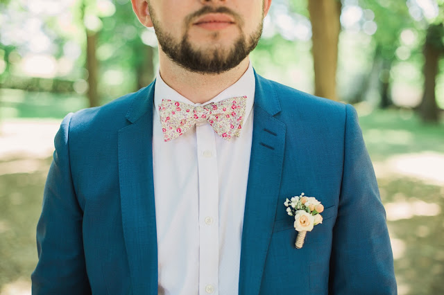 Fleuriste mariage Lyon, boutonnière, fleurs peach, La petite boutique de fleurs