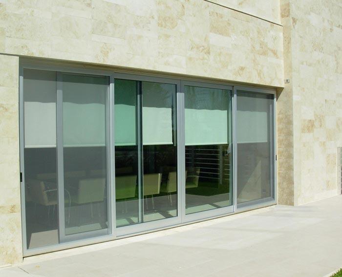 Carpinter a de aluminio en castelldefels cerramientos for Toldos cerramientos terrazas