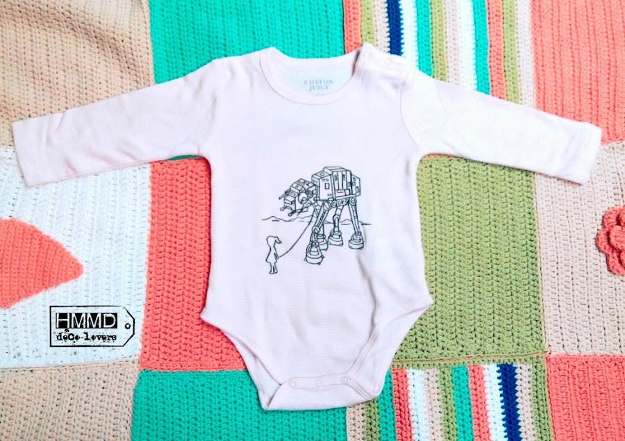 Bodys para bebés con ilustración de la Guerra de las galaxias, frases optimistas y gatos sonrientes. Imágenes tiernas para ropa de bebé. Ropita original y creativa para bebés. Stars war onesies for babies, cats and positive phrases, HMMD, Handmademaniadecor
