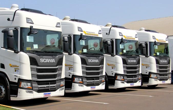 Grupo Pra Frente Brasil adquire 92 caminhões Scania